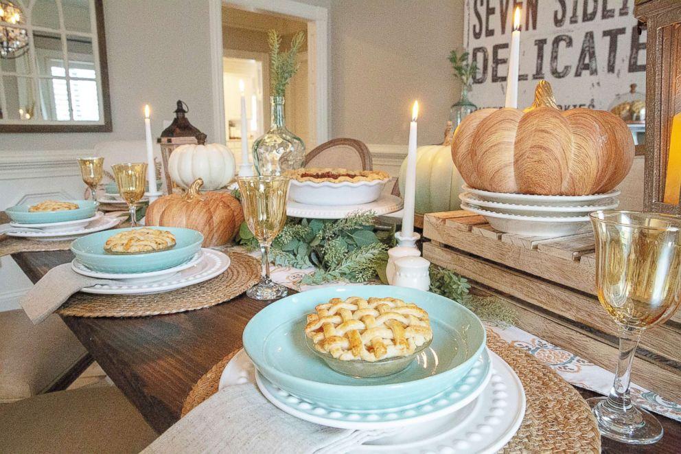 thanksgiving-table-home-goods1-ht-ml-181105_hpEmbed_3x2_992.jpg