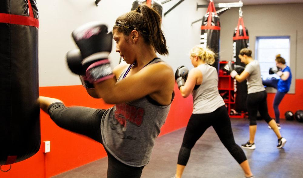 TKO Kickboxing - Kickboxing fitness circuit for women