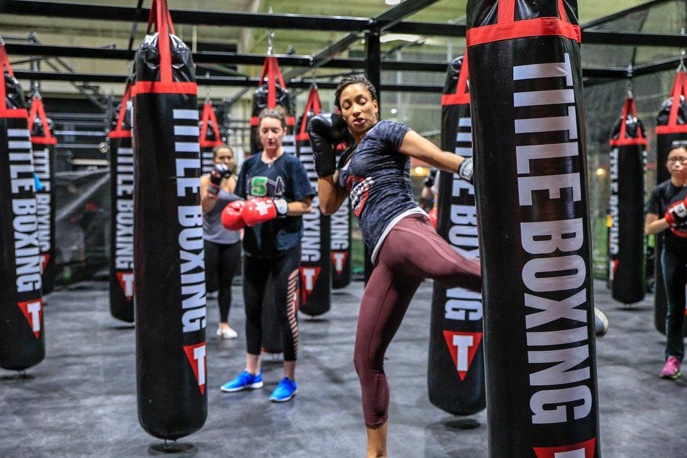 KP Kickbox class pittsburgh punch-6.jpg