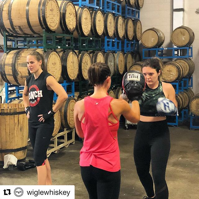 #Repost @wiglewhiskey with @get_repost ・・・ Boxing & Barrels is this Sunday, Sept. 9 at 2pm! Your ticket includes the 45-60 minute workout with an expert instructor from @pittsburghpunch and a drink afterwards! Get your tickets at wiglewhiskey.com! #pittsburgh #wiglewhiskey