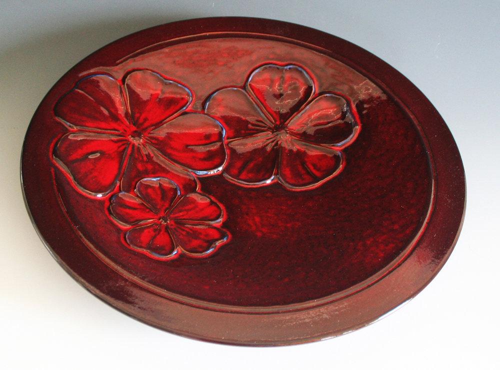 """Kamakura-Red """"Sakura"""" Plate"""