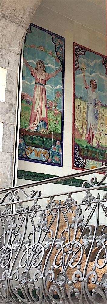 8a) Art Nouveau tiles Oostende.jpg