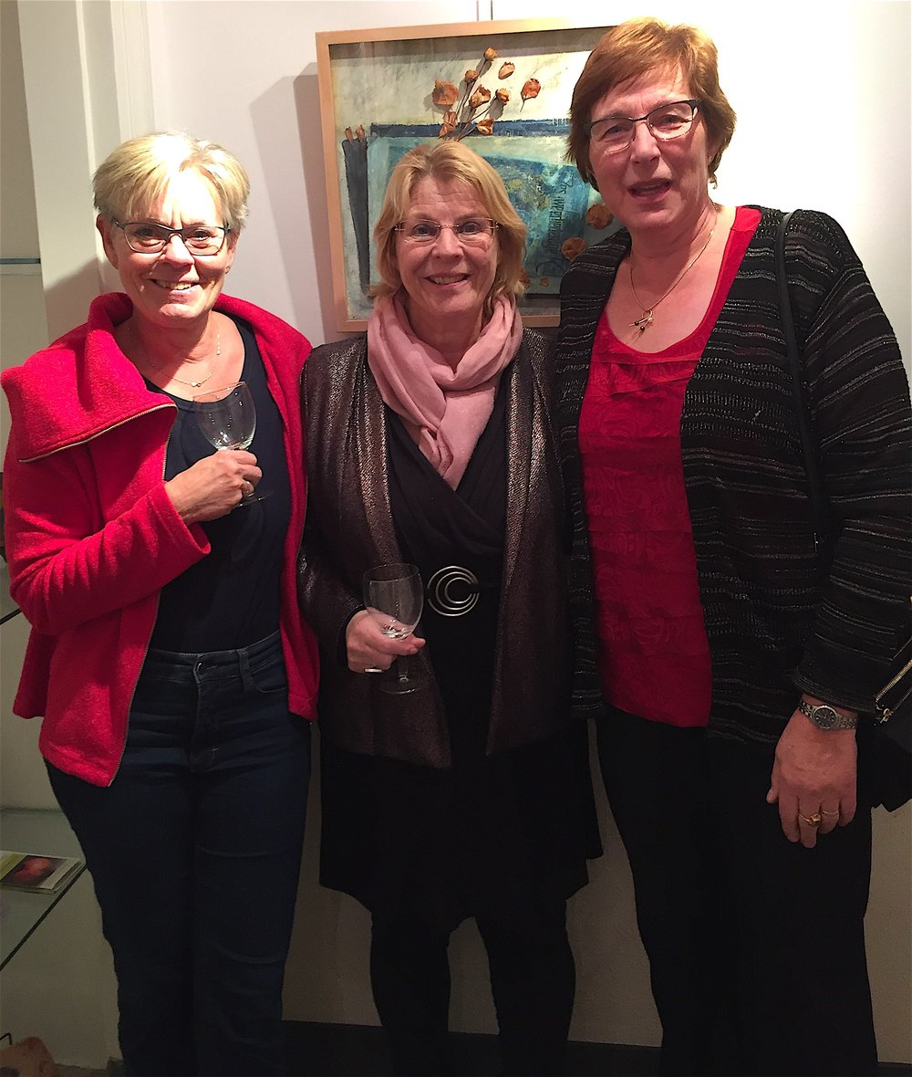 Two dear friends at the opening: Joke Mol and Marian Hoffer.