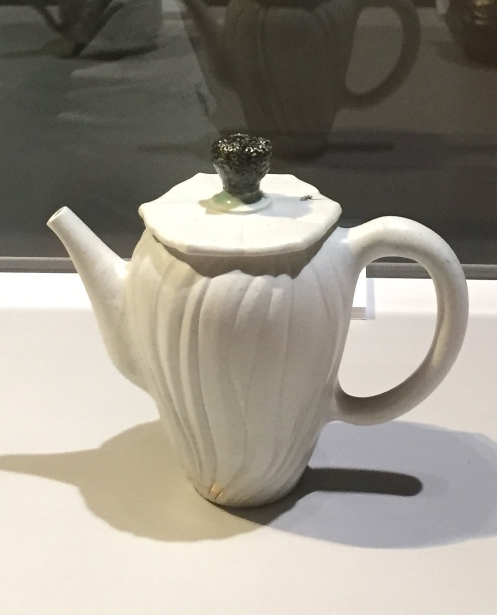 Love this teapot.