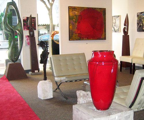 2010 September: The Kamakura-Red Japonica Vase in the Alexander Salazar Fine Arts Gallery in San Diego, USA.