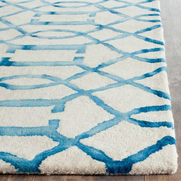 Safavieh-Handmade-Dip-Dye-Ivory-Turquoise-Wool-Rug-8-x-10-3c44143b-e4f7-4f56-a808-5336b8012ead_600.jpg