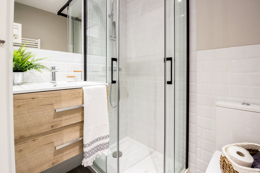 Staged4more Staged Home Tour A Young and Fresh Rental Apartment in Spain After bathroom.jpg