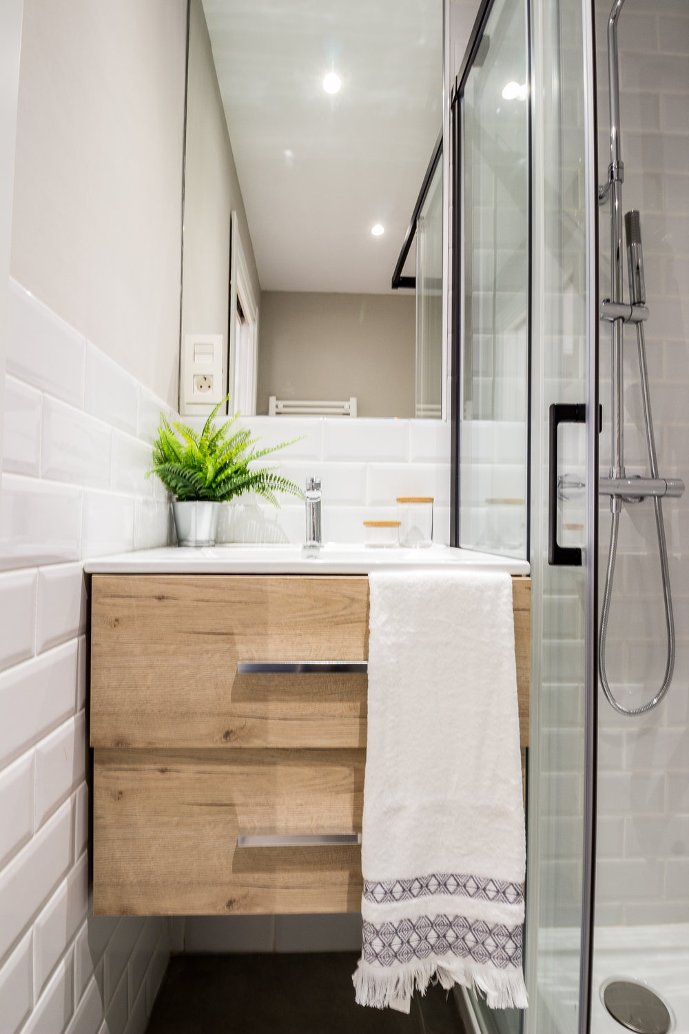 Staged4more Staged Home Tour A Young and Fresh Rental Apartment in Spain Afer Bathroom.jpg