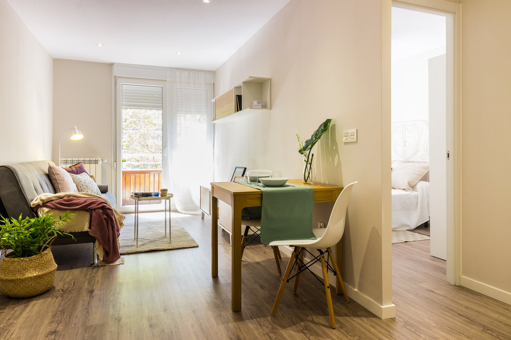 Staged4more Staged Home Tour A Young and Fresh Rental Apartment in Spain After_living dinning area.jpg