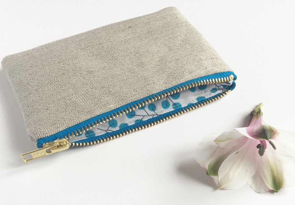 Berries Blue Collection Organic hemp-cotton purse