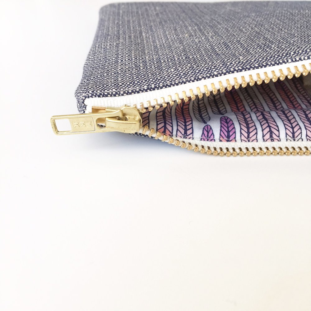 Lavender Collection Navy organic hemp-cotton lutch bag