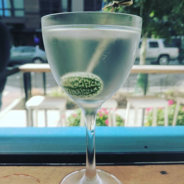 The Quebranta is the perfect never-letting-go-of-summer martini. Pisco, vermouth blanc & a mexican sour gherkin #seattlegenie #MeetMeAtMarmite @barsolpisco @vermouthdolin
