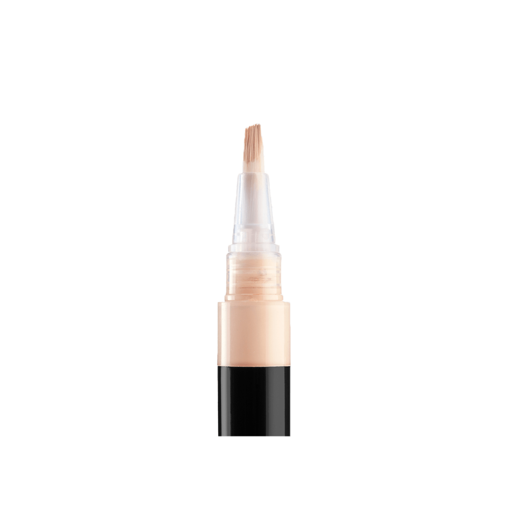collab-no-flaws-highlighting-stylo-neutral-open-closeup.png