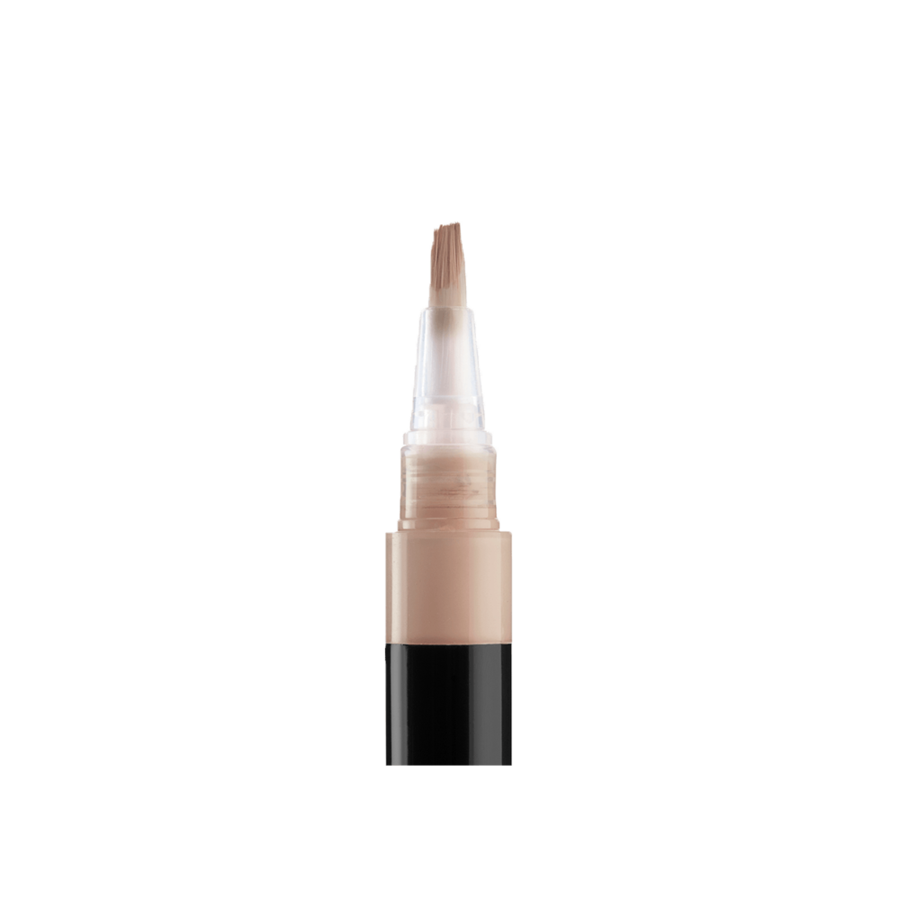 collab-no-flaws-highlighting-stylo-fawn-open-closeup.png