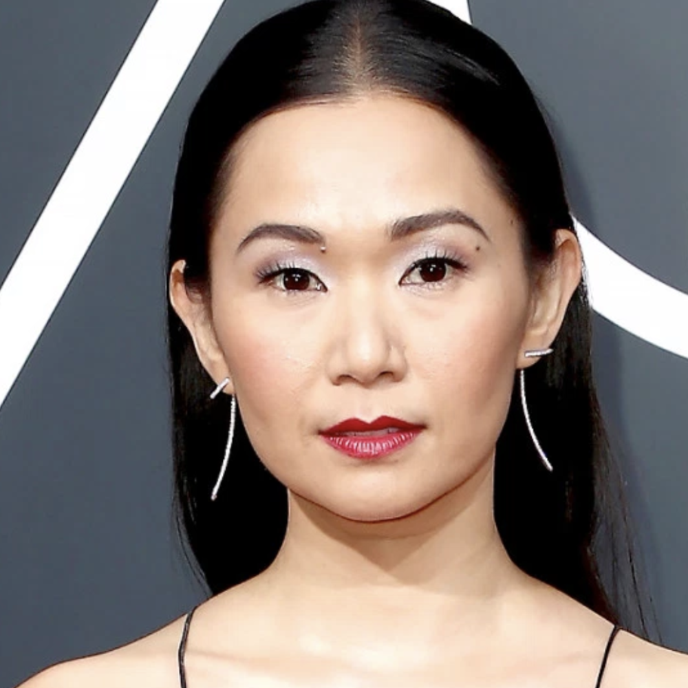 Hong Chau - Out of all the red lips rocked on the carpet last night, Hong's is easily a fave for me. A cool toned deeper red paired with the perfectly easy yet glam lash and a bright, shimmery lid? Honey, you are perfect! I also love the mid-part hair!