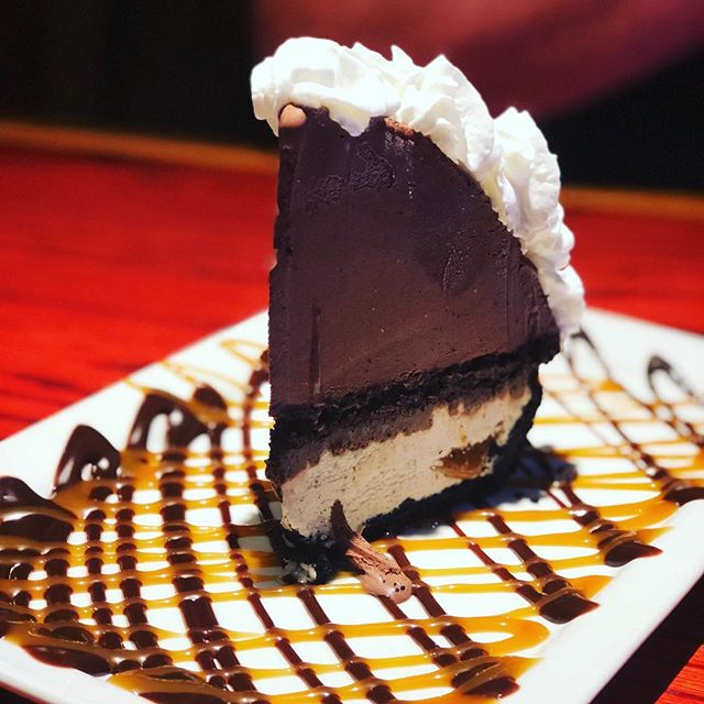 Sometimes a girl just needs chocolate to chase away the blues... @rquick1977 #redrobin #datenight