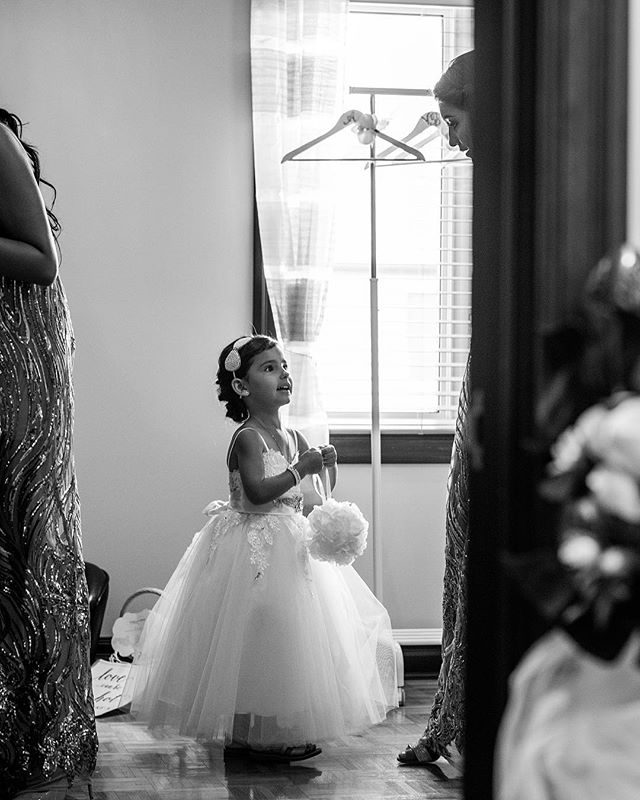 Flower Girl 🌸 . . . #blackandwhitephotography #shotoncanon #wedding #flowergirl #kid #wanderlust #montrealwedding #fearlessphotographer #weddingmoments #montreal #mtlmoments #livemontreal #blackandwhite #bnw #instawedding #mtl #514 #bnw #weddingday #weddingphotography #weddingphotographer #montrealphotographer