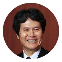 学歴及び職歴:イェール大学経済学部大学院 Ph.D.、日本銀行政策委員会審議委員、日本銀行副総裁を経て2013年より東京大学大学院経済学研究科·経済学部教授 研究分野:理論経済学と経済統計。具体的には、世界金融危機後の中央銀行政策や不動産価格の国際的な標準作り。