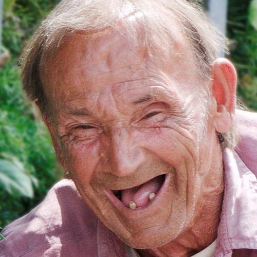 Crazy-Funny-Old-Man-01-www.FunnyPica.com_.jpg