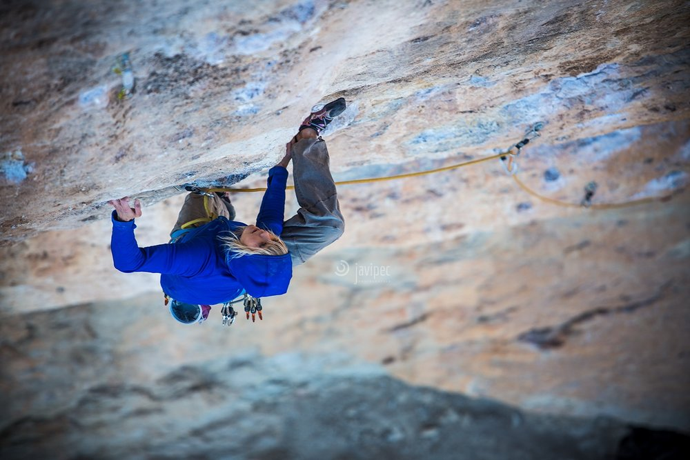 Mishi, 8a, in Oliana, Spain
