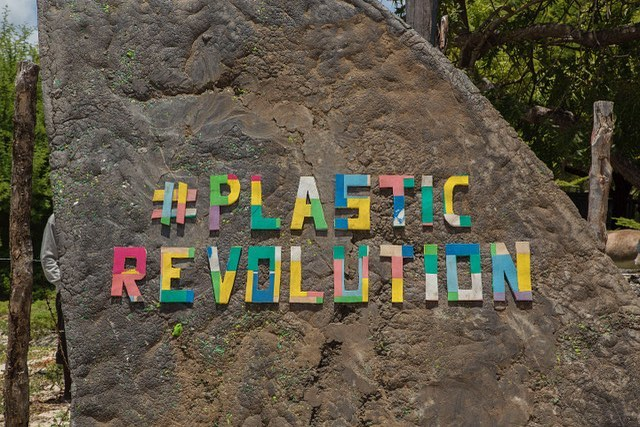It's happening and we must all do our part to make it happen...#plasticrevolution #breakfreefromplastic #plasticpollution #cleanseas #turnthetideonplastic #planetorplastic #blueplanet #saveouroceans #bethechangeyouwanttosee