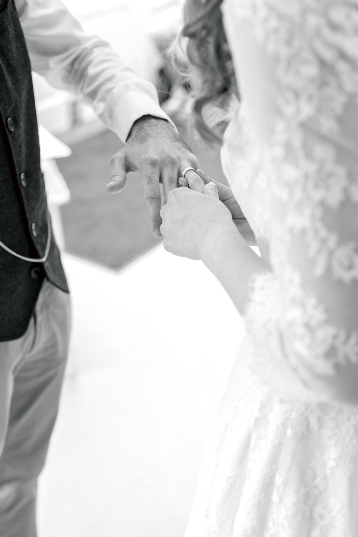 The Old Barn Wedding Photographer 026.jpg