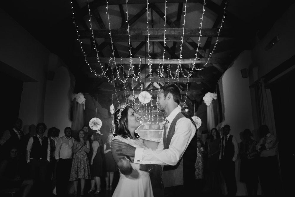 The Corn Barn Wedding Photographer 020.jpg