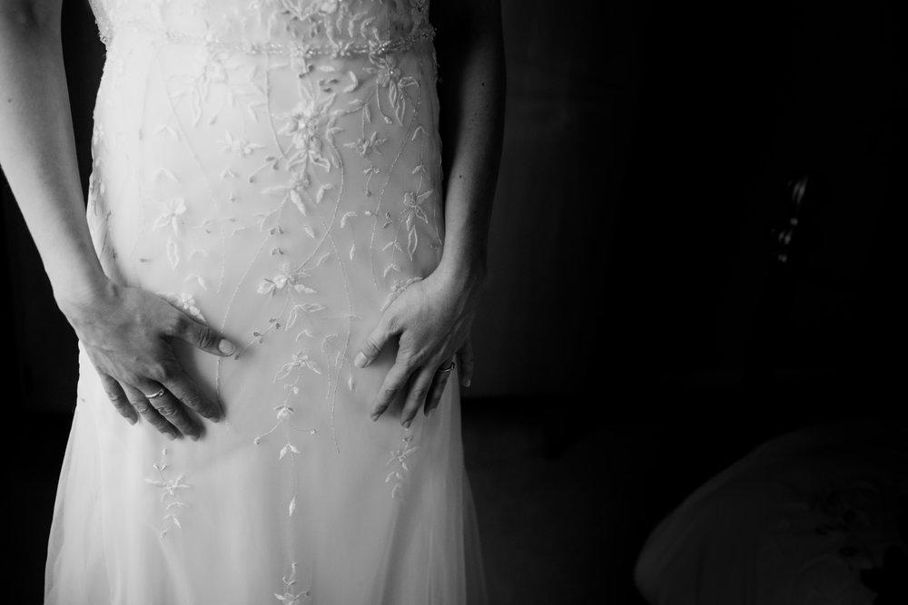 Escot House Wedding photographer 006_.jpg