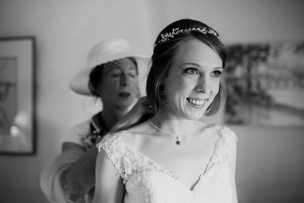Higher eggbeer farm wedding photographer 006.jpg