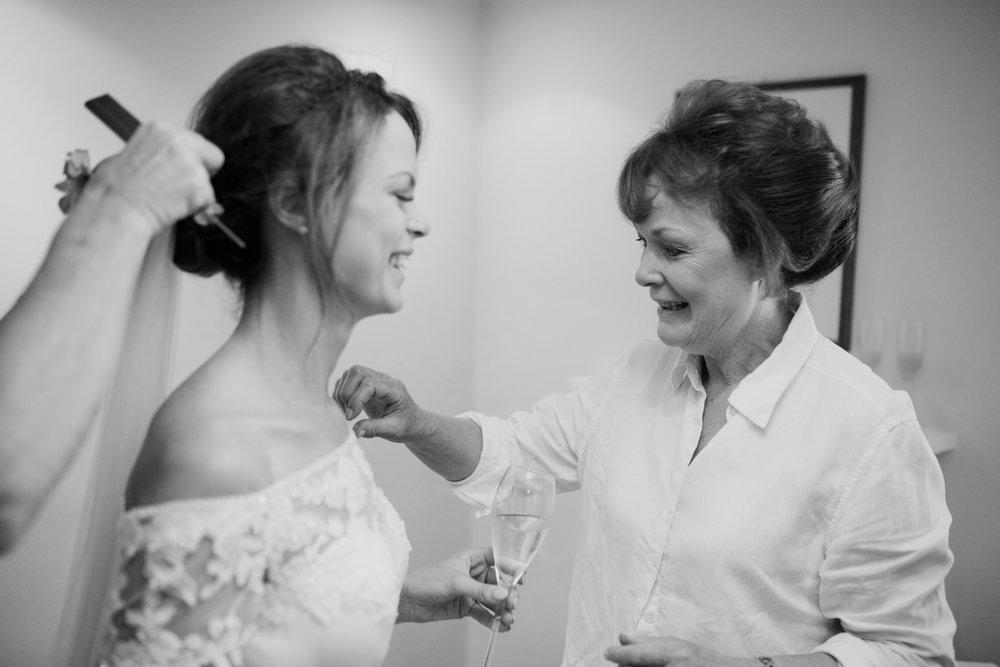 Farnham Castle Wedding Photographer 018.jpg