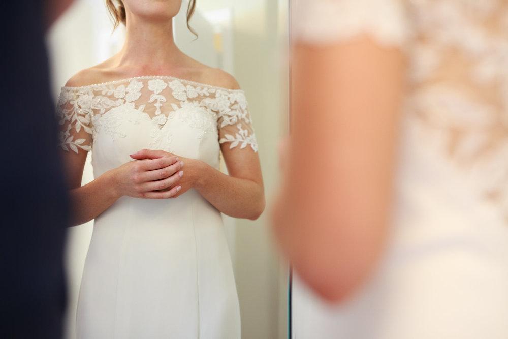 Farnham Castle Wedding Photographer 019.jpg