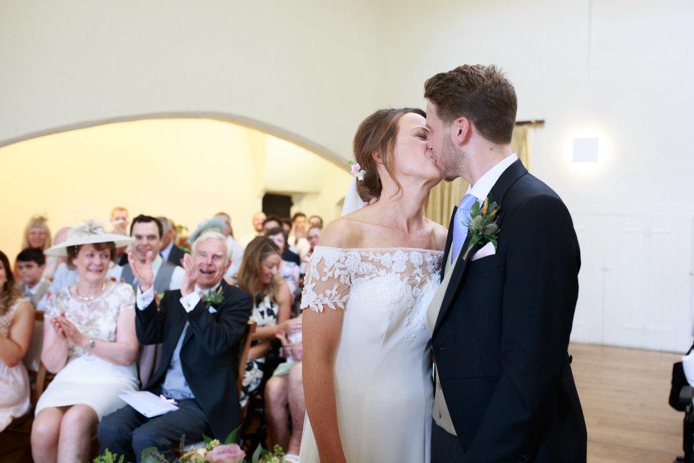 Farnham Castle Wedding Photographer 030.jpg