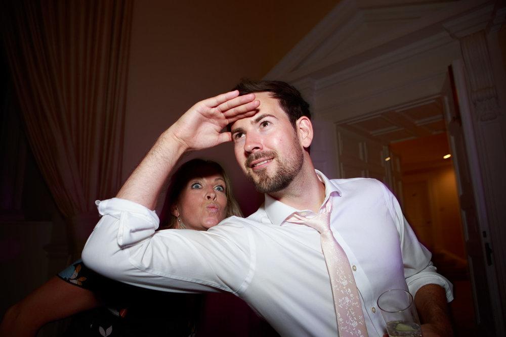 Farnham Castle Wedding Photographer 075.jpg