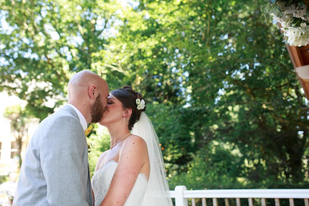 Beaconside House Wedding Photographer 022_.jpg