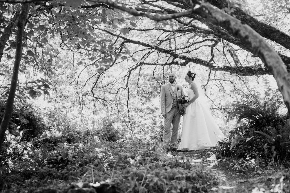 Beaconside House Wedding Photographer 031_.jpg