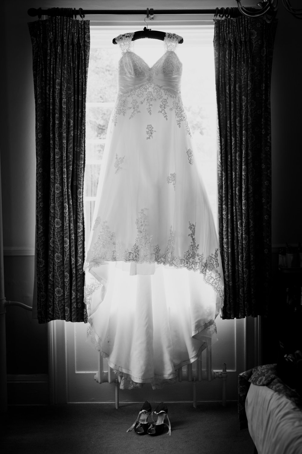 Wiltshire Wedding Photographer 001_.jpg