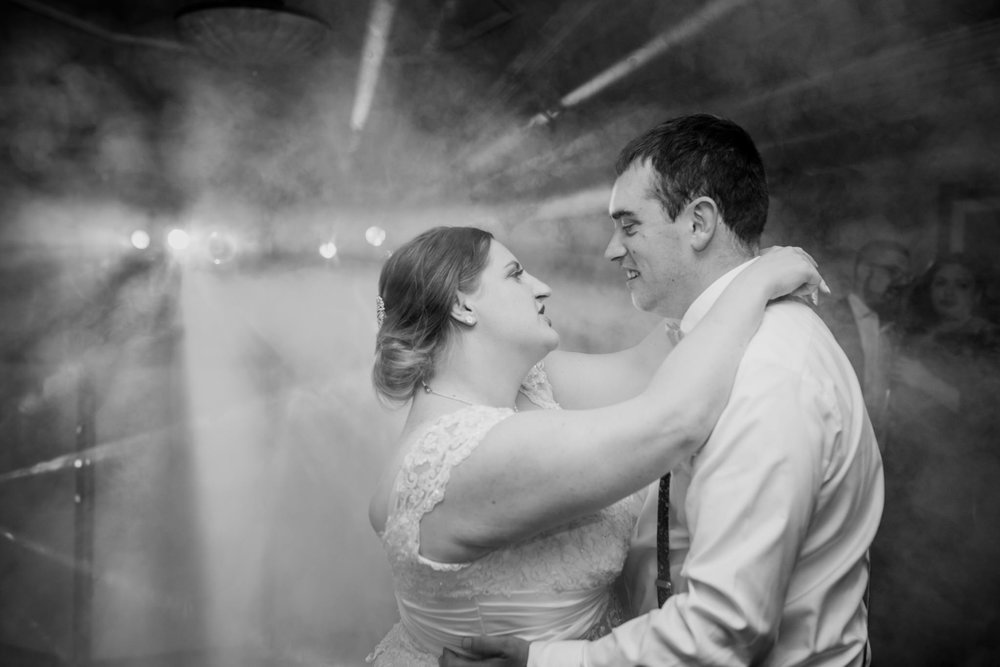 Wiltshire Wedding Photographer 024_.jpg