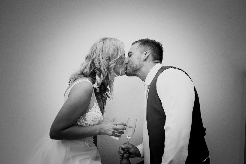 Documentary Wedding Photographer 040_.jpg