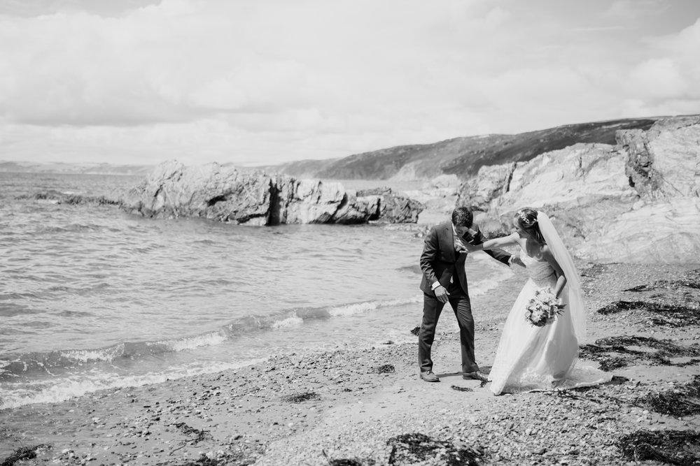 Polhawn Fort Wedding Photographer 018_.jpg