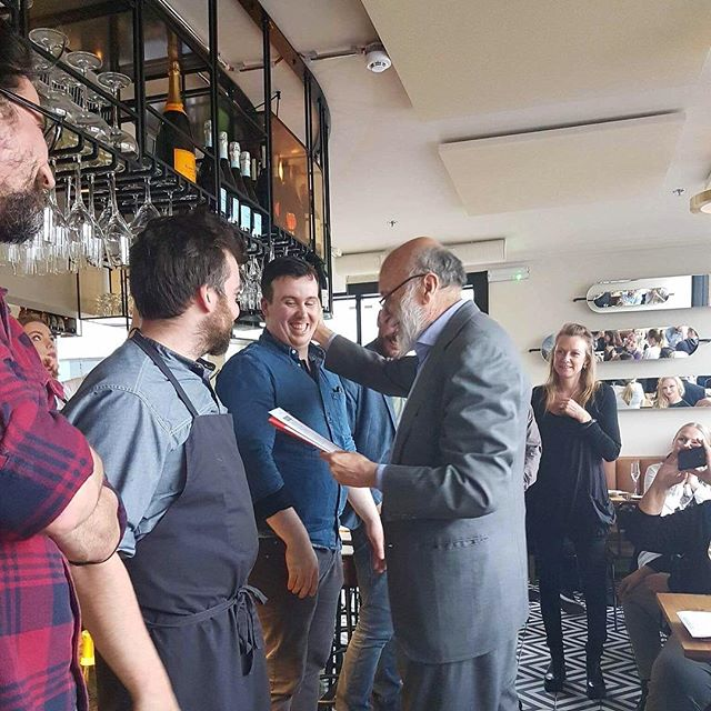 "Gísli Matt okkar hitti á Carlo Petrini stofnanda Slow Food þegar stofnað var til ""Slow Food Chef's alliance"" hér á landi. . . Slow Food Reykjavík valdi að þessu sinni 10 matreiðslumenn sem stuðla að gildum Slow Food í matargerð sinni og matseðlum. Frábær heiður! . . Our chef @gislimatt met with Carlo Petrini the founder of Slow Food when he visited Iceland. The first ""Slow Food Chef's alliance"" was formed. . . Slow Food Reykjavík selected 10 chefs that have been following Slow Food philosophy and using it in their cooking and menus. What an honour! . . #slippurinn #vestmannaeyjar #veitingageirinn #slowfood #slowfoodreykjavik #carlopetrini #gislimatt"