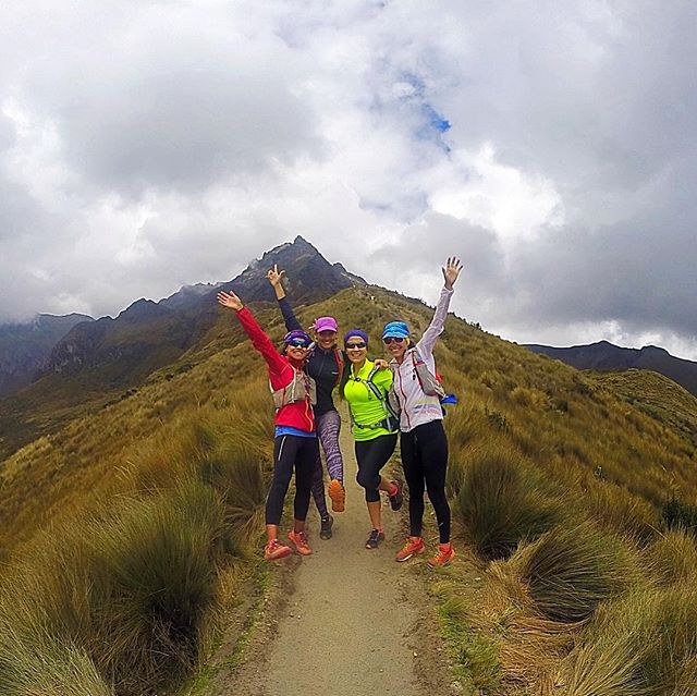 Raise your hand if you want to feel free running through beautiful trails?  Raise your hand  if you want to have fun, make friends and travel to Ecuador?? Join @trailrunadventures,  @annafrosty and us. Link in bio 👆🏼 . . . . . #ecuador #trailrunning #trailrun #friends #running #run #mountains #landscape #runningadventure #allyouneedisecuador #ecuadoramalavida #adventuretravel #adventures #travel