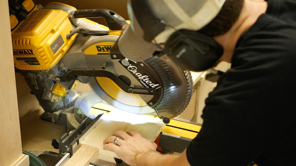 dewalt flexvolt miter saw 2