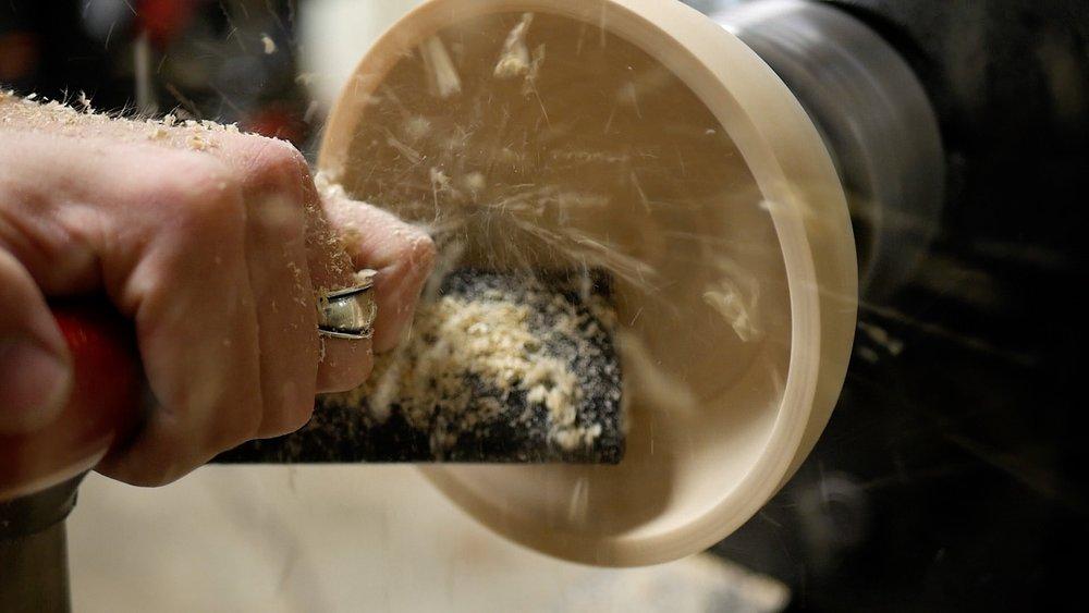 woodturning Log To Bowl smooth inside of bowl