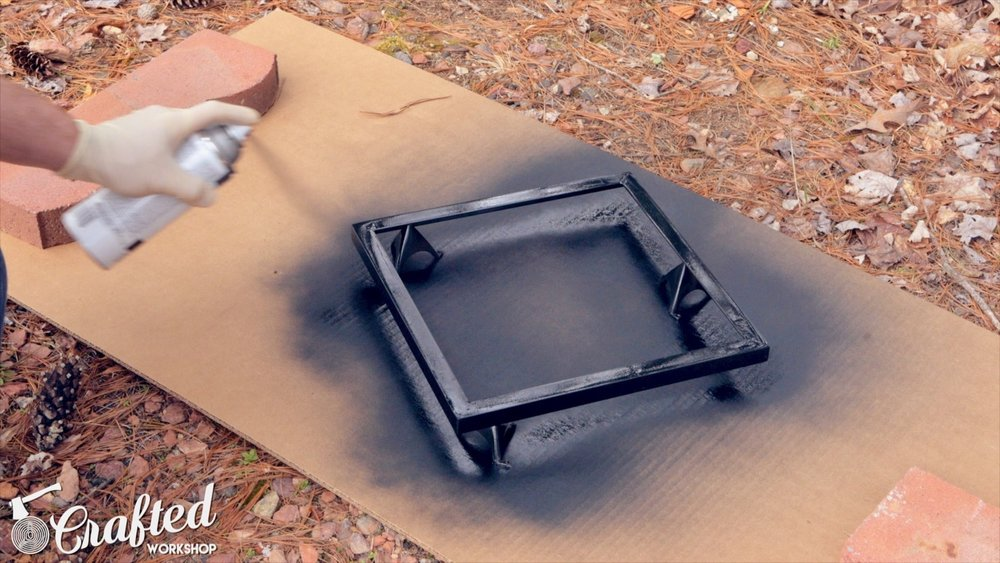painting aluminum using black spray paint