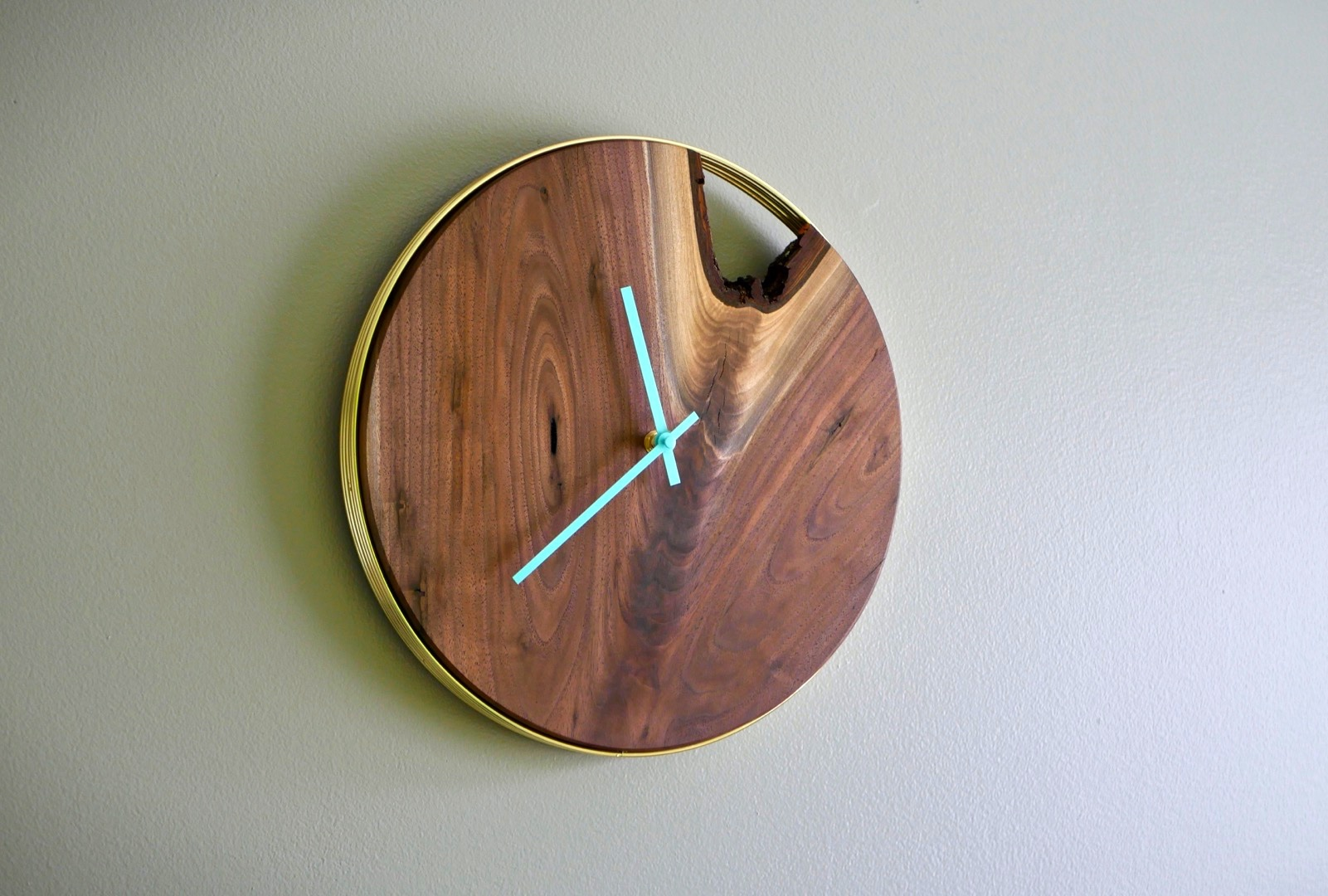 DIY Modern Live Edge Wall Clock // How To   Woodworking