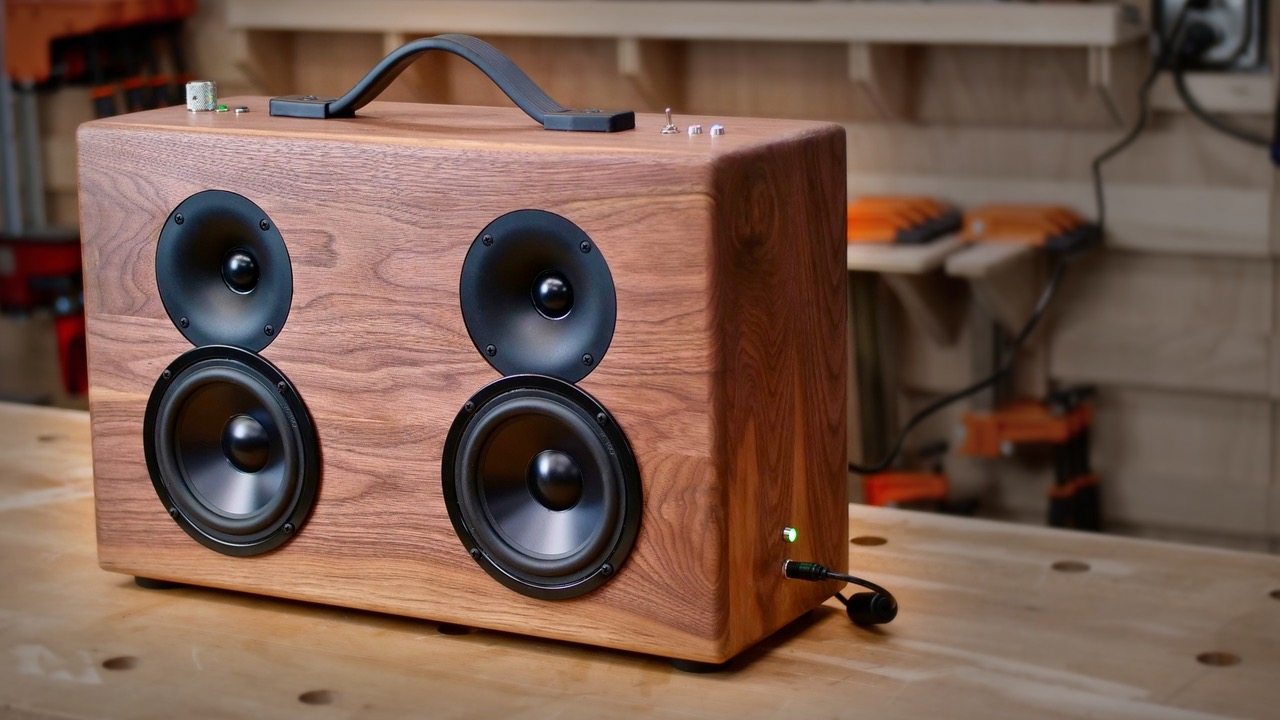 How To Build A DIY Battery Powered Bluetooth Speaker ...