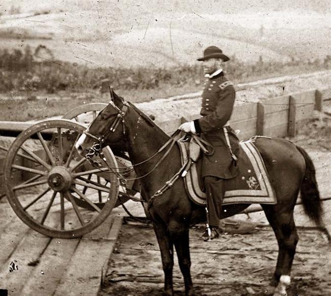 Sherman directing the bombardment of Atlanta.