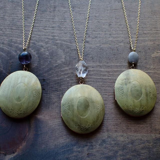 @bloom_and_thistle hand creates these gorgeous lockets and we are obsessed!  This month we are featuring LGBTQ owned business and owner Helen and her wife Lindi are the cutest!  If you are looking to gift something handmade and personal this holiday season, click on over to their profile to check out all their pretty pieces!!⠀ .⠀ .⠀ .⠀ .⠀ #becauseloveislove #tantatmountlove #lgbtq #wokeweddingpros #lgbtqweddingpro #gayowned #samesexweddings #lesbianwedding #twobrides #lgbtq #loveislove #mrsandmrs #liveauthentic #ohwowyes #calledtobecreative #lgbtq #thehappynow #makemoments #trendybride #maker #creatives #wearethecreativeeconomy #jeweler