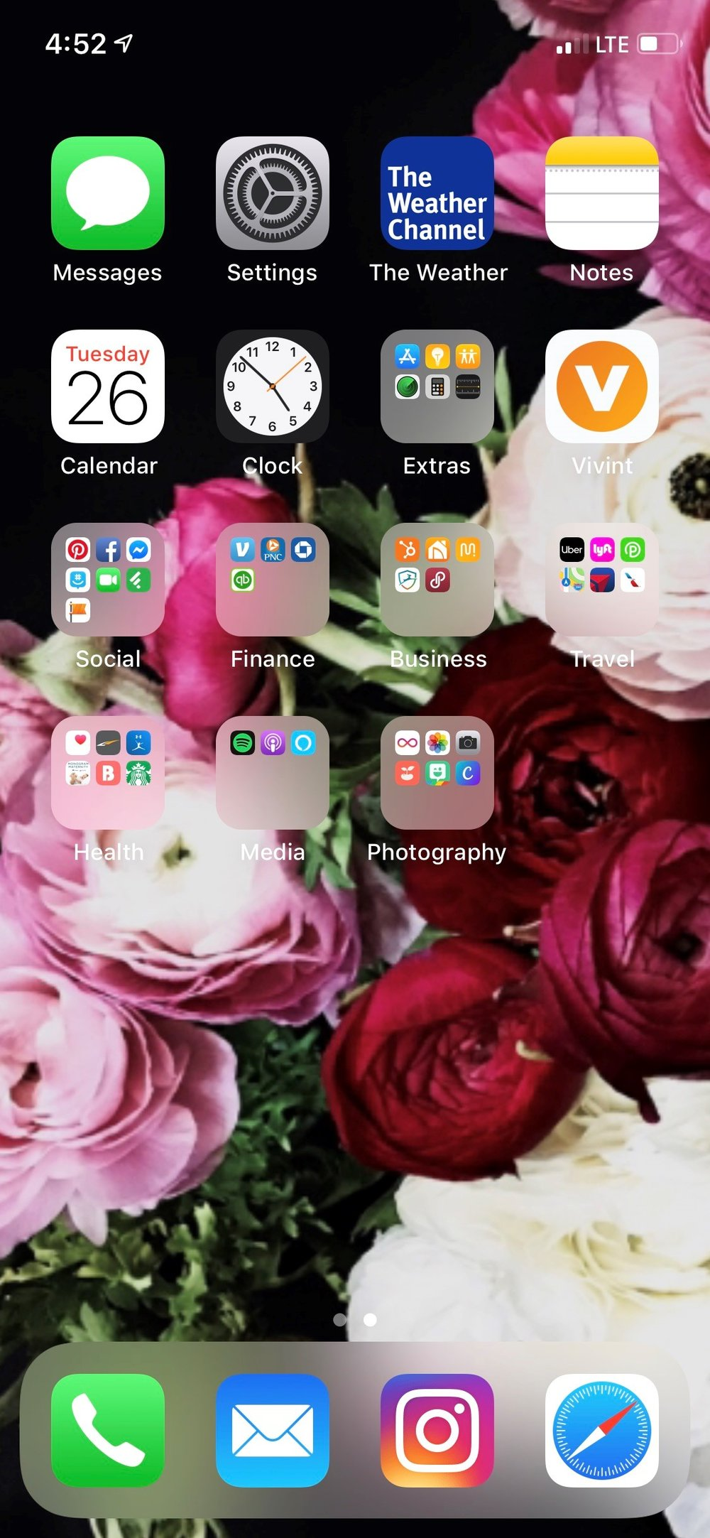 Example 2: All related apps moved into folders to keep things contained to your home screen.