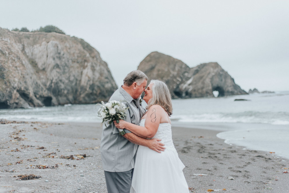 elk california +- intimate + wedding +-photographer
